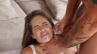 Kimmy Granger sexo forzado con su hermano recibe un facial